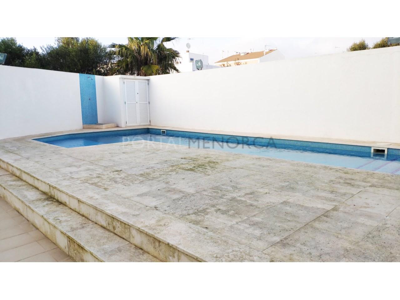 First floor for sale in Ciutadella_Pool