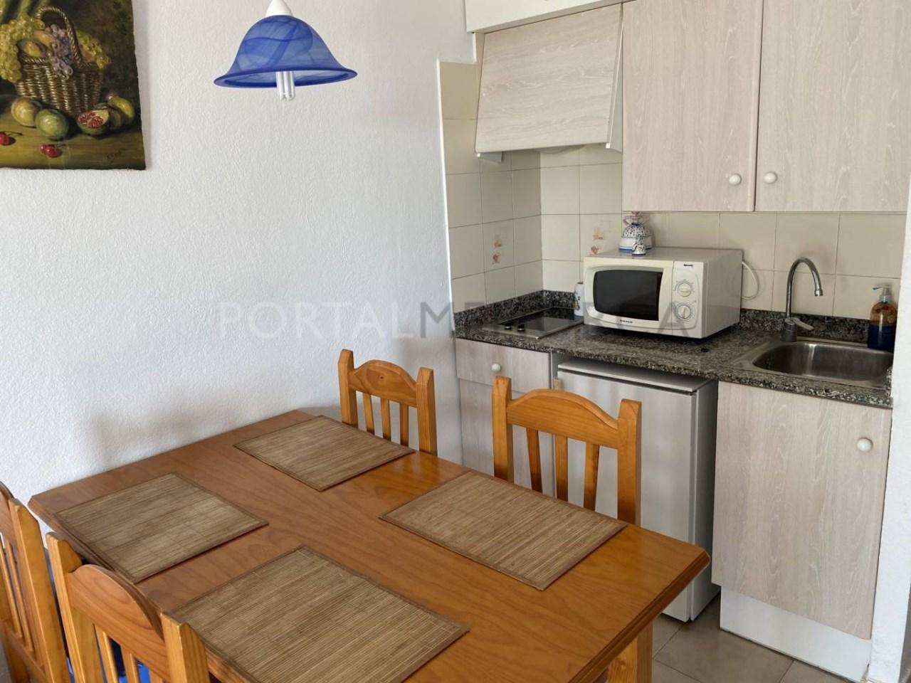 Apartamento en venta en Calan Blanes cocina FM
