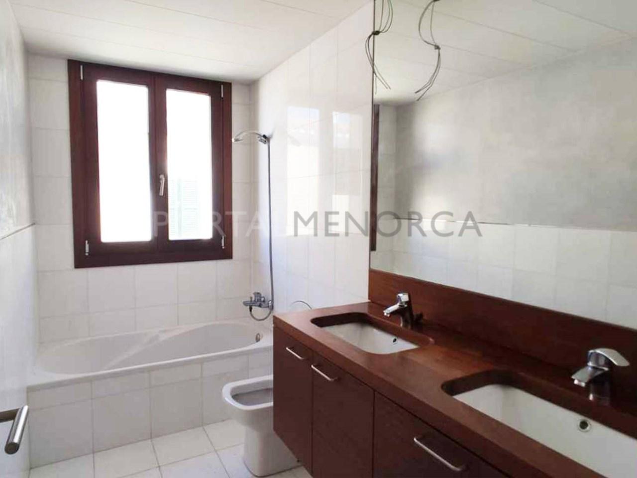Apartment in the center of Ciutadella_bathroom