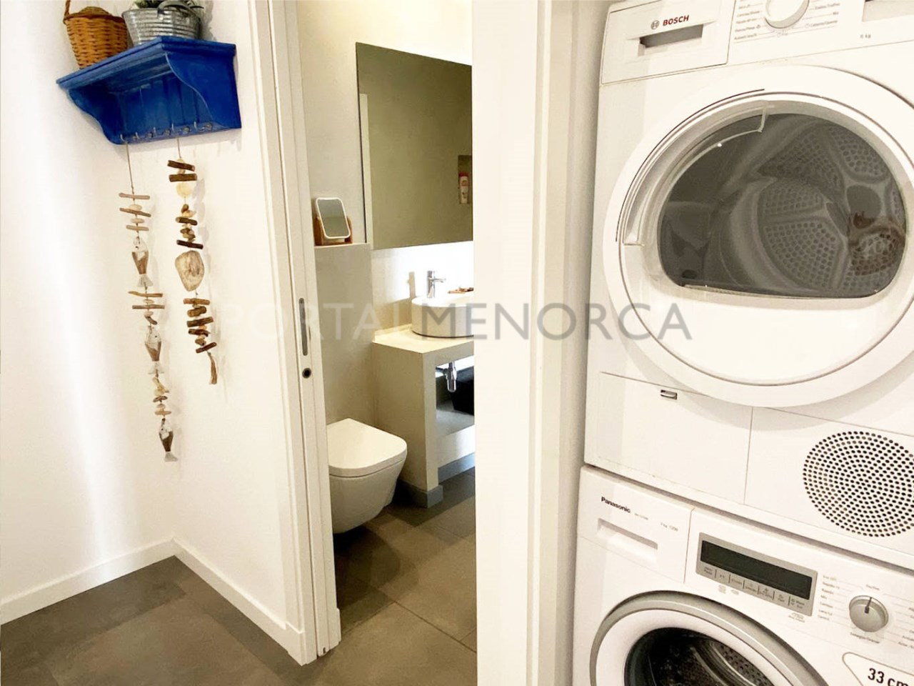 House in the old town Ciutadella_washing machine