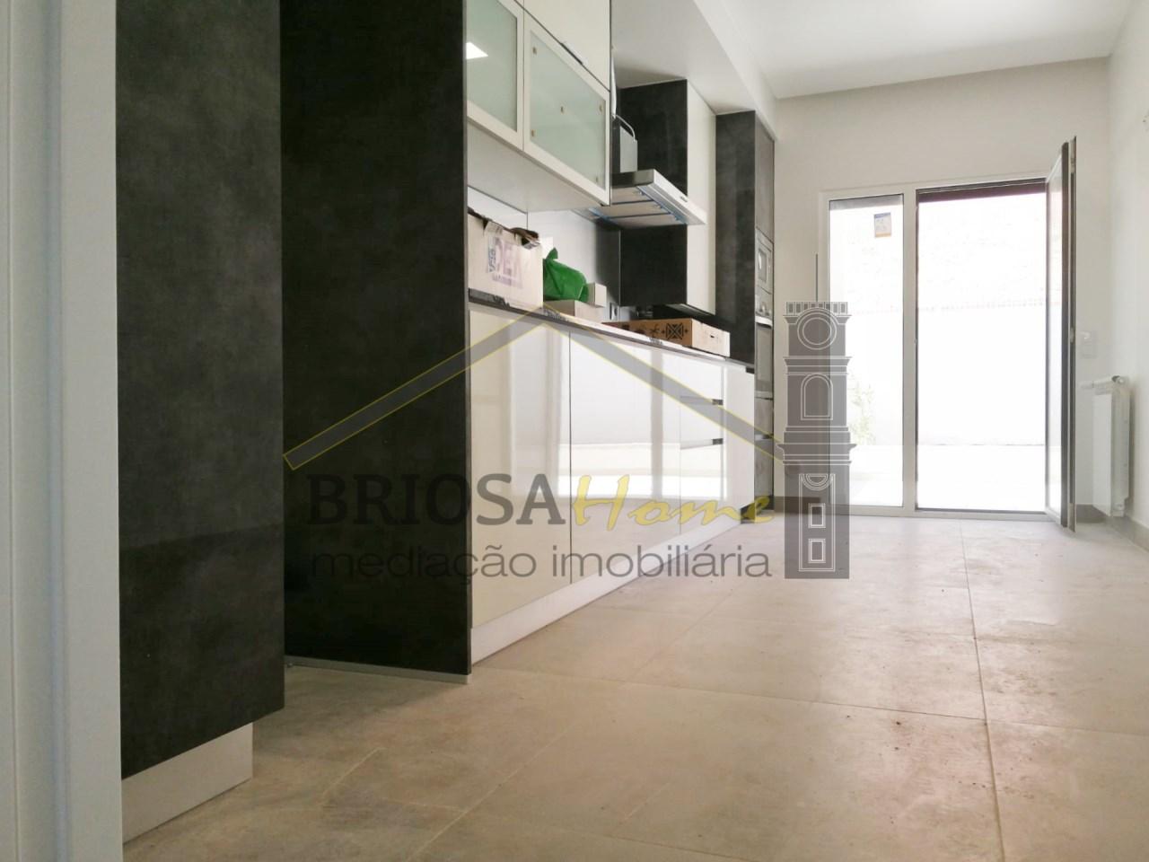 1 Zimmer Wohnung Mit Garage In Figueira Da Foz