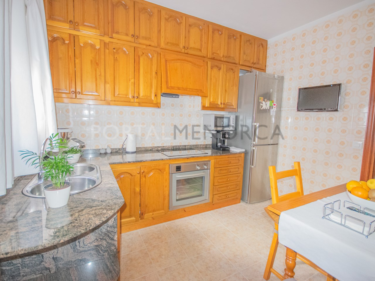 Fitted kitchen-diner