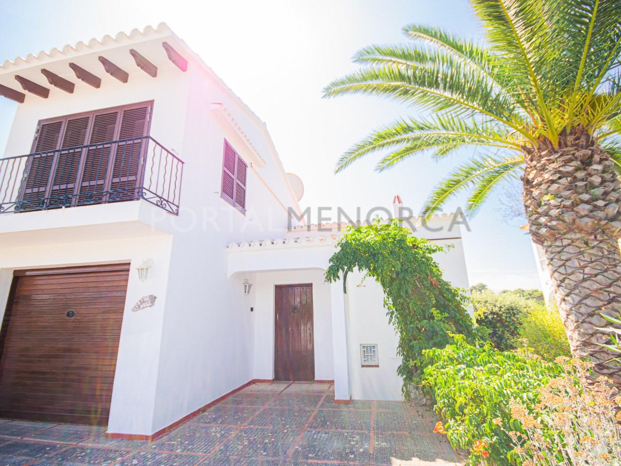 Detached villa with sea views in Cala Galdana.