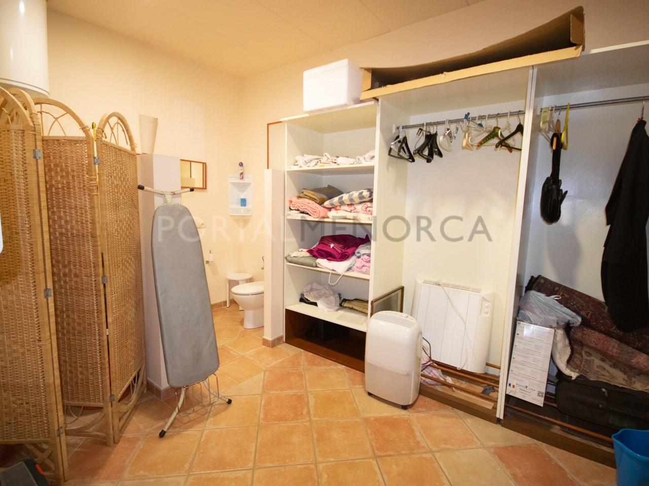 Dressing room/storeroom