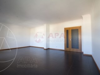 5 Bedrooms Apartment Faro (Sé e São Pedro) - For sale