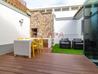 3 Bedrooms Building Floor Faro (Sé e São Pedro) - For sale