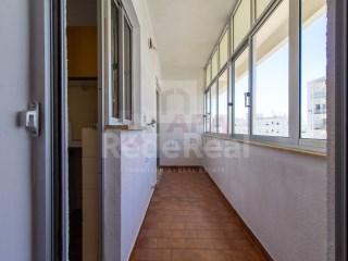 T2 Apartamento Alcantarilha e Pêra - Venda