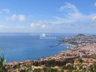 São Gonçalo plot of land,  with panoramic views over the Bay of Funchal. |