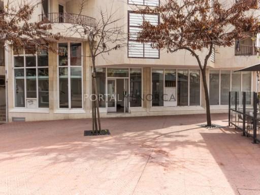 Local commercial à Mahón Ref: M7827 1