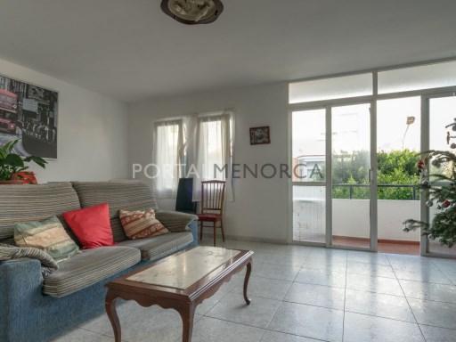 Flat in Es Castell Ref: V2717 1