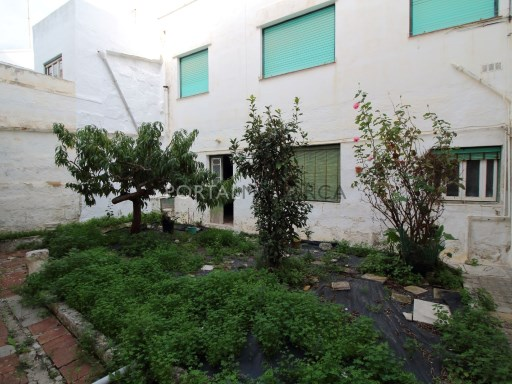 Building for Sale in Es Castell - V1020