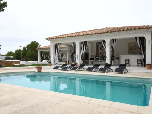 Villa in Son Parc Ref: V2517 1