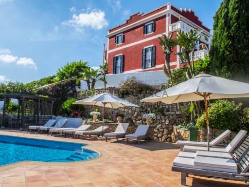 Hotel in Vendita a Es Castell - V2669