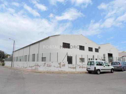Nave industrial para Alquilar en Es Castell - S2249