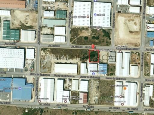 Parcela industrial en Venta en Sant Lluís - S2479