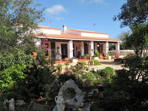 Country house in Cala Galdana Ref: C6 1