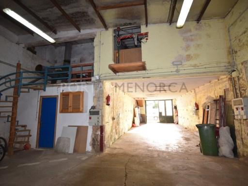 Garage in Es Mercadal Ref: T1056 1