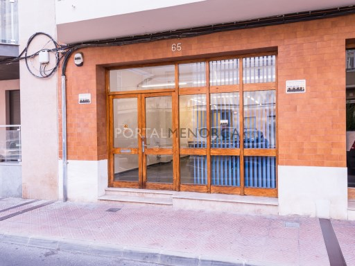 Local comercial en Mahón Ref: V2820 1