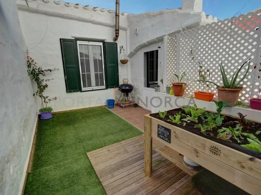 Einfamilienhaus in Es Castell Ref: H2541 1