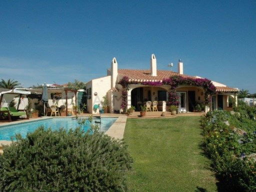 Villa in Cala Llonga Ref: H2088 1