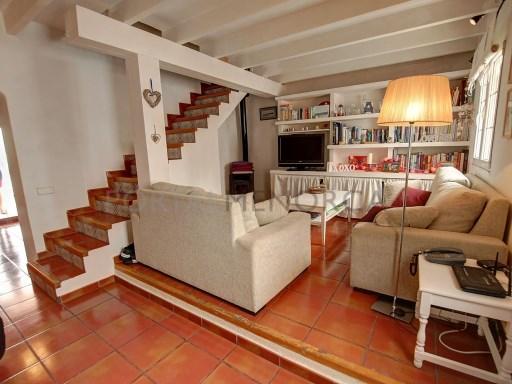 Einfamilienhaus in Es Castell Ref: H2525 1