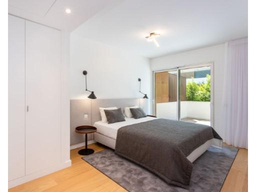 Underbar lägenhet med 3 sovrum och balkong ...