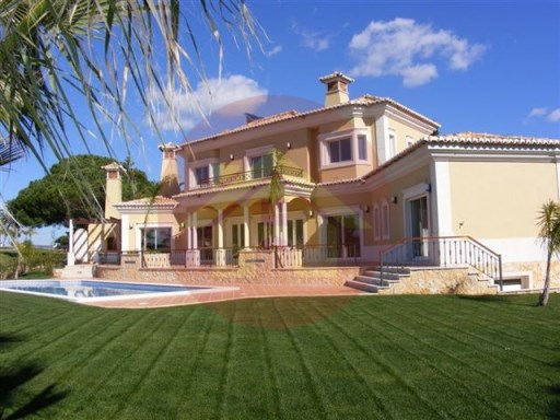 Villa-V4-Sale-Vale de Lobo, Algarve | 4 Bedrooms | 4WC
