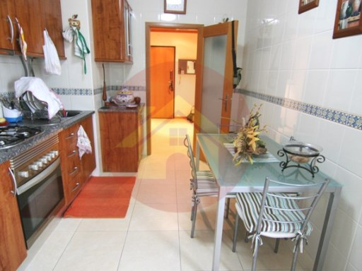 Apartment - 3 Bedroom - Sale - Portimão, Algarve | 3 Bedrooms | 2WC