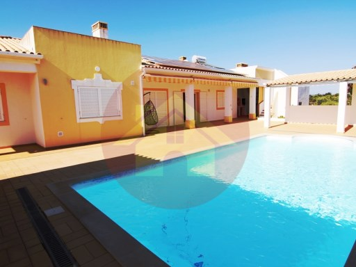 4 bedroom villa-for sale-Sargaçal-Lagos-Algarve | 4 Bedrooms | 3WC