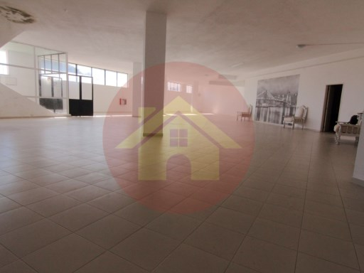 Shop/warehouse-for lease-Portimão, Algarve |