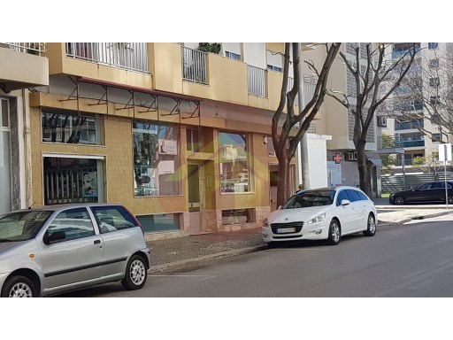 Retail store-for sale-Centre-Portimão, Algarve  |