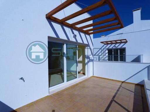 Appartements 2 Chambres Mezzanine Grenier Avec Piscine Debarras Et Parking Prive Sunpoint Properties A855