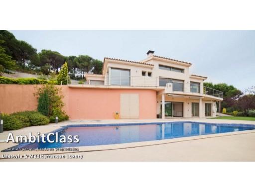 Casa Elegante Con Vistas En Sant Andreu De Llavaneres Ambitclass