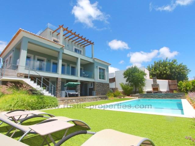 Villa de luxe moderne avec 3 + 1 chambres, piscine et vue sur la mer R