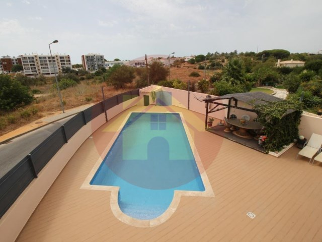 4 bedroom villa-for sale-Portimao, Algarve