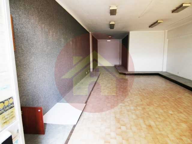 Shop-for rent-Center-Portimao, Algarve