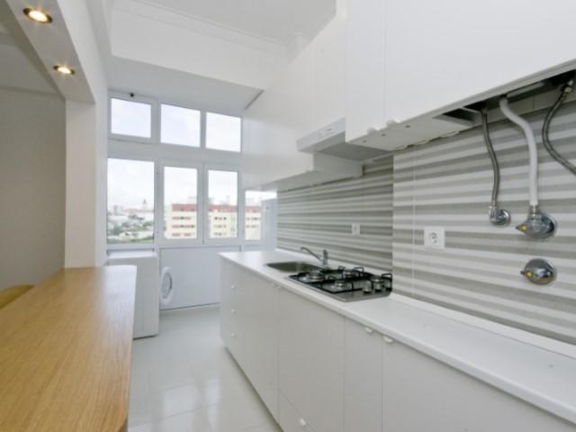 Appartement A Louer Sur Av Do Brasil Cuisine Semi Meublee Et Equipe