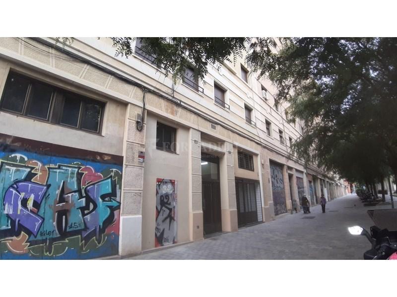 Piso de alquiler en la calle de Antoni Capmany. 17
