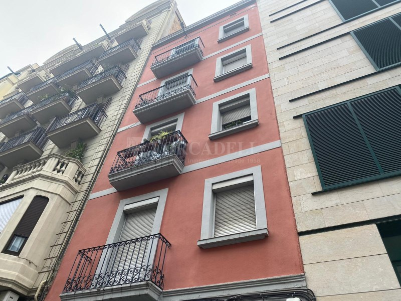 Pis al carrer Rosselló (Hospital Clínic).