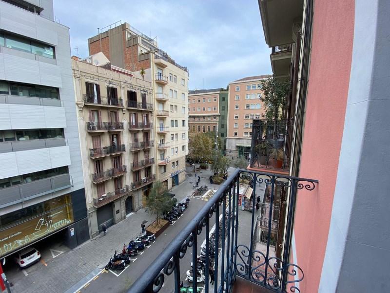 Pis al carrer Rosselló (Hospital Clínic). 2