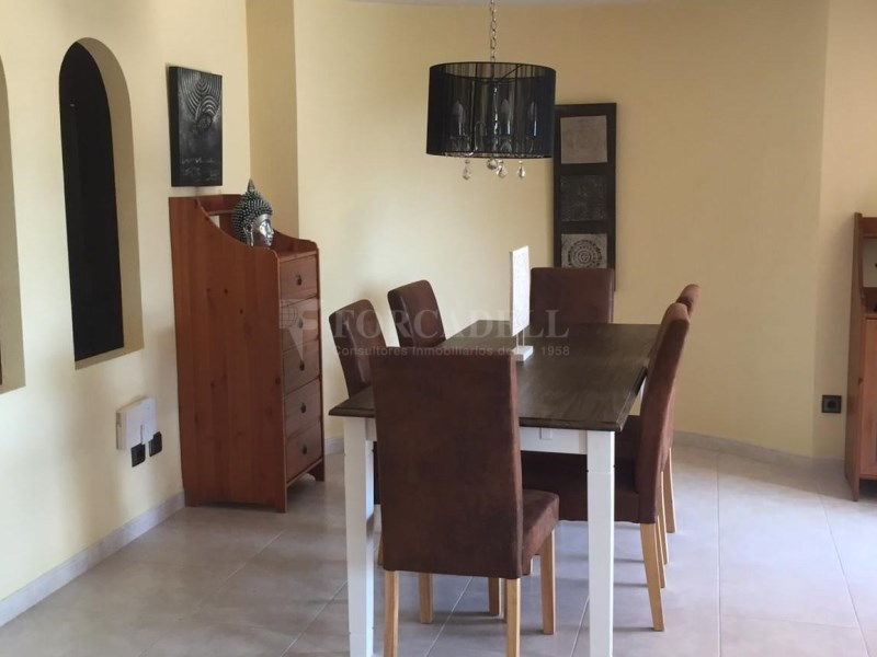 Xalet unifamiliar en lloguer en zona molt tranquil·la a Palma moblat. 24
