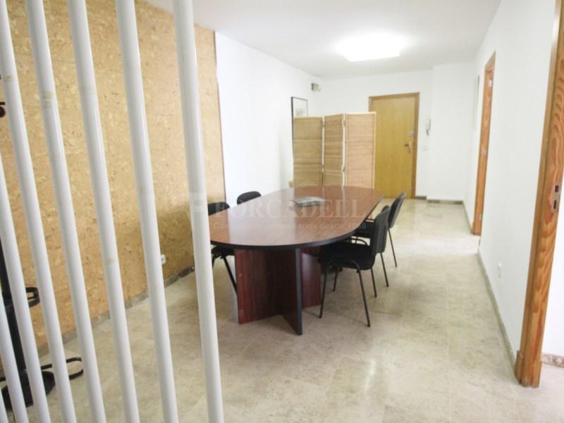 Oficina en alquiler de 117m2 distribuido en 3 2