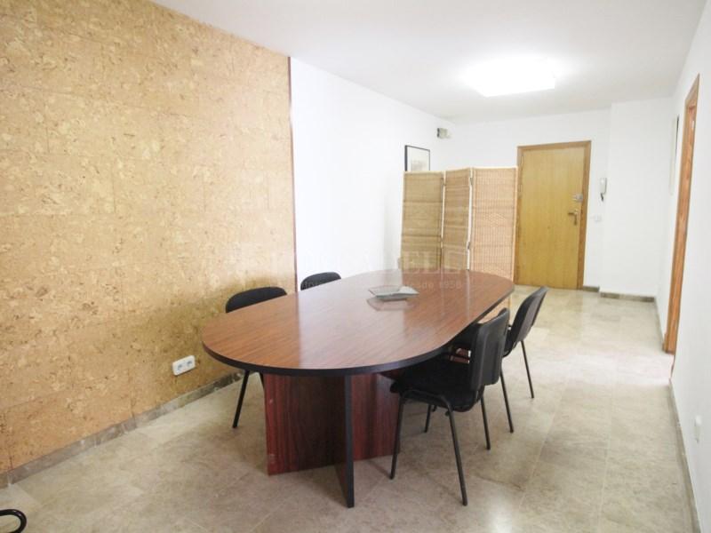 Oficina en alquiler de 117m2 distribuido en 3 10