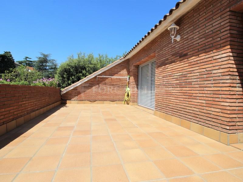 Casa amb jardí i piscina en venda a Canovelles 21
