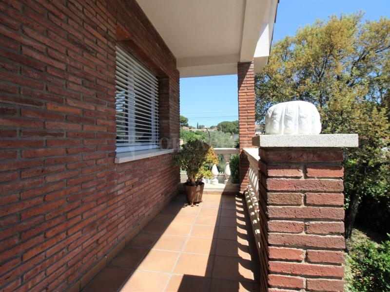 Casa amb jardí i piscina en venda a Canovelles 31