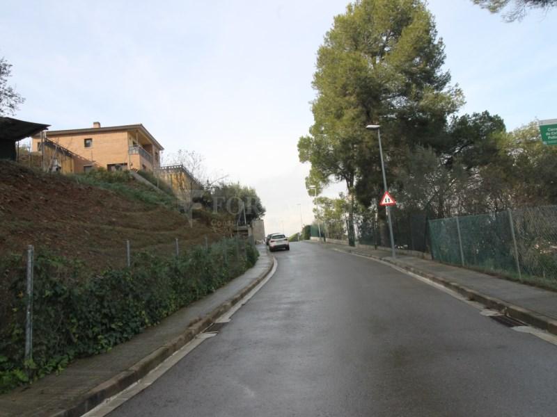Solar en venda a Can Bosquerons de Dalt de Montornés del Vallès