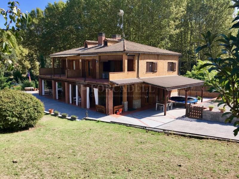 En venda 2 cases independents amb piscina a Sant Celoni
