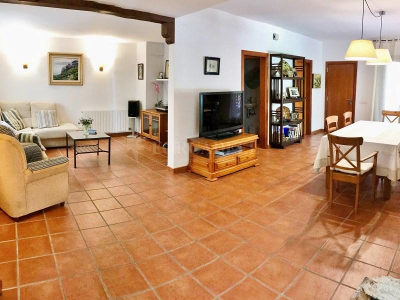 En venda 2 cases independents amb piscina a Sant Celoni 4