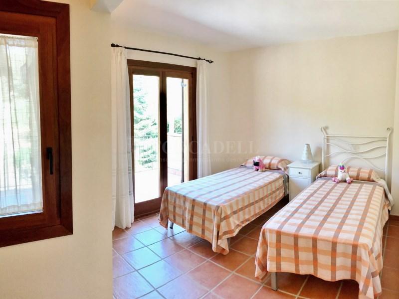 En venda 2 cases independents amb piscina a Sant Celoni 11