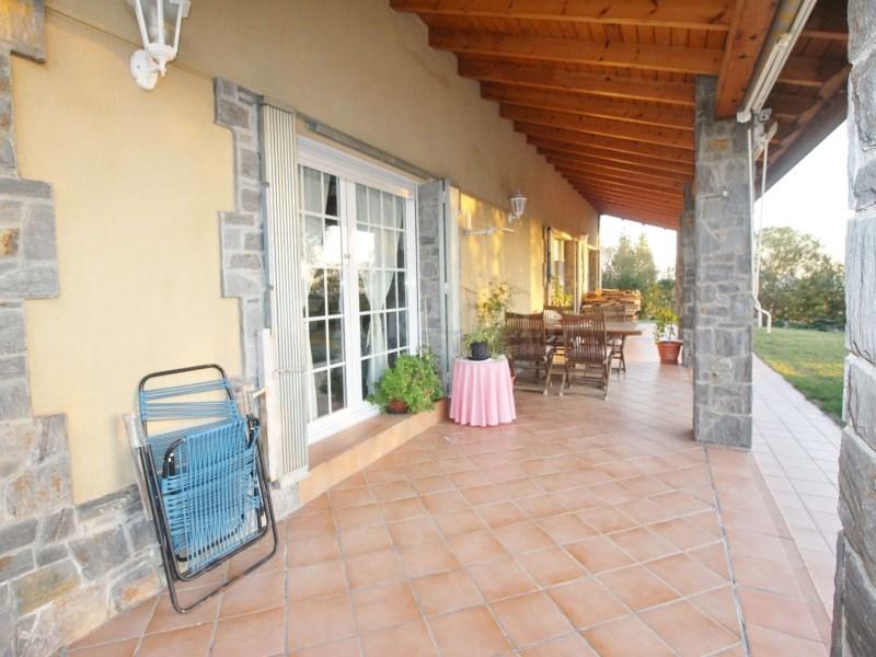 Gran casa en venda amb pista de tenis a Cànoves i Samalús 2